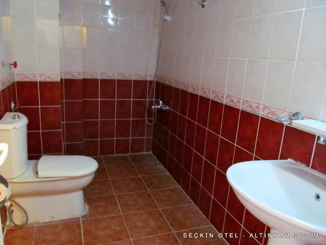 seckin-otel-altinkum-banyo