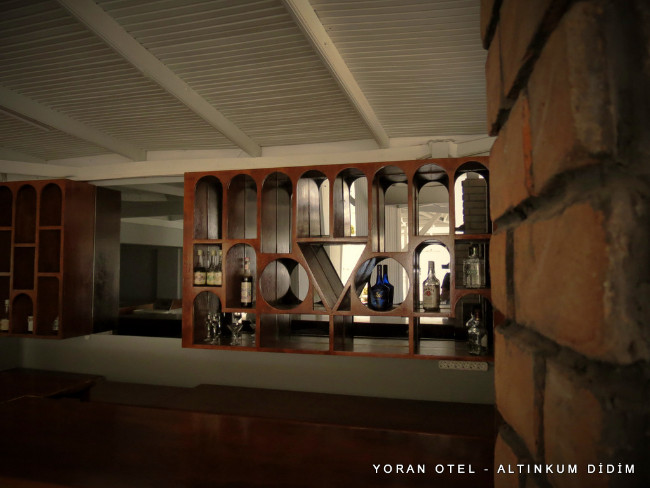 yoran-otel-altinkum-restaurant-bar