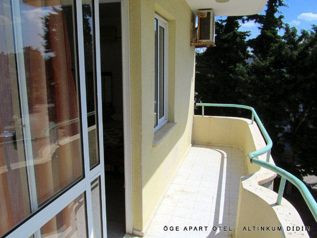 oge-apart-otel-balkon