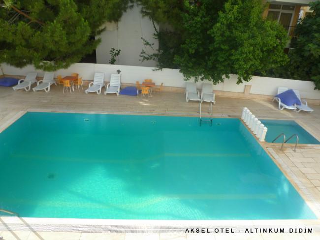 aksel-otel-altinkum-havuz