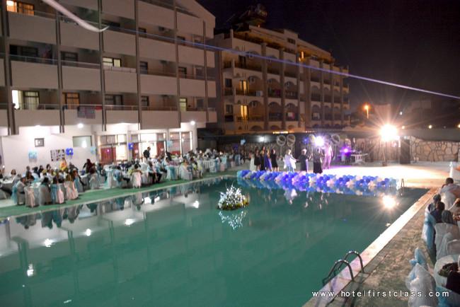 hotel-first-class-gece-havuz-kenar