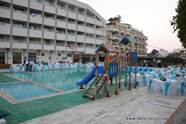 hotel-first-class-havuz-kids