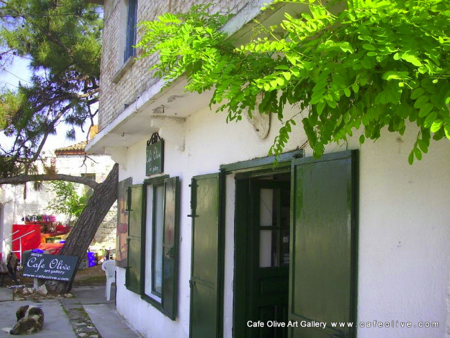 art-gallery-cafe-olive-sanat-galerisi