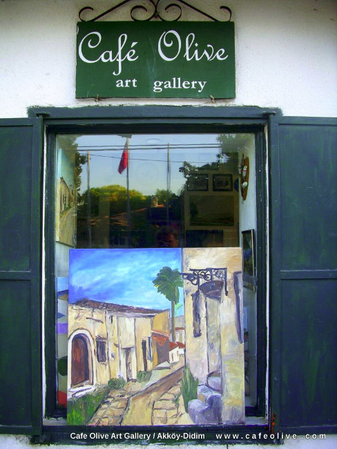 art-gallery-cafe-olive-window
