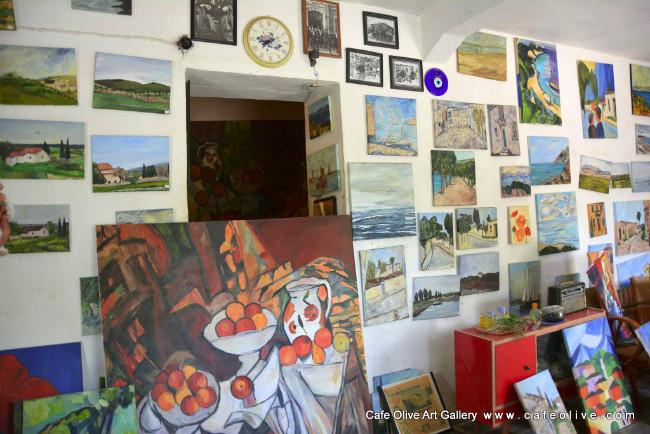 sanat-galerisi-cafe-olive-akkoy