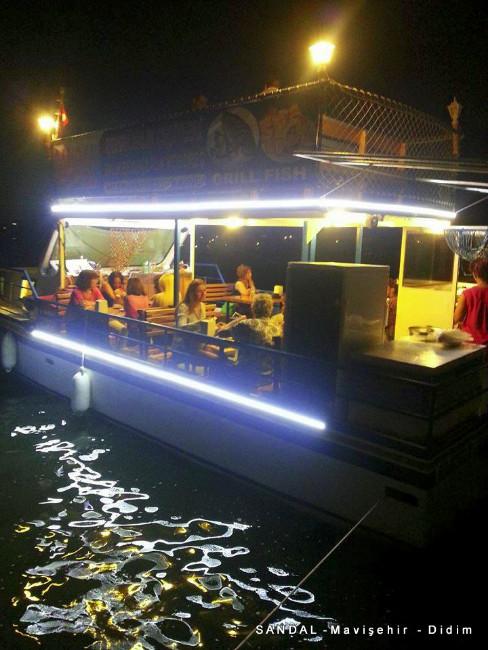sandal-mavisehir-didim-tekne