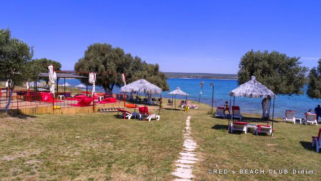 red-beach-club-plaj