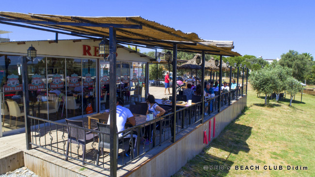 reds-beach-club-yesilkent