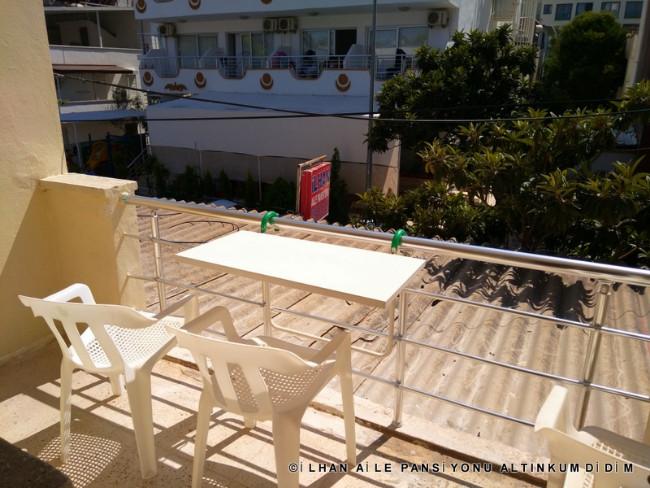 ilhan-aile-pansiyonu-didim-balkonlar