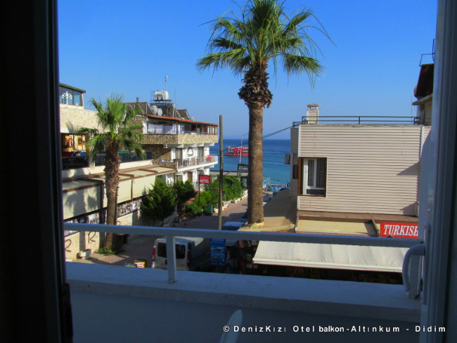 denizkizi-otel-balkon-manzara