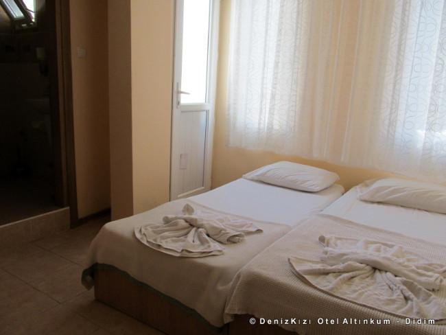denizkizi-otel-rooms-altinkum