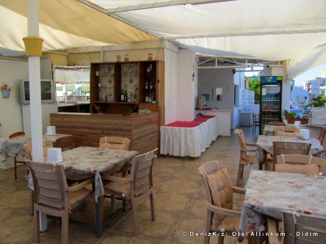 denizkizi-otel-teras-bar