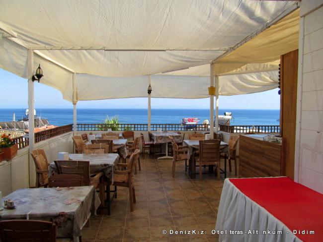 denizkizi-otel-teras-manzara